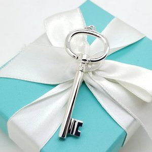 Tiffany & Co 925 Sterling 2.5' In Oval Key Pendant